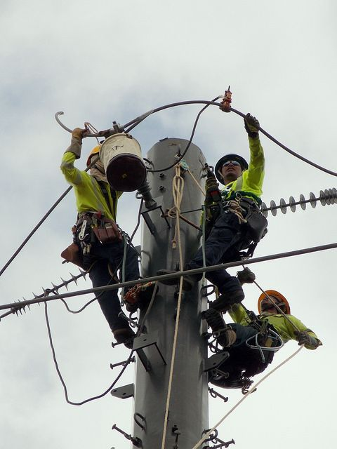 Hawaiian Electric Utility Work On Kamehame Ridge August