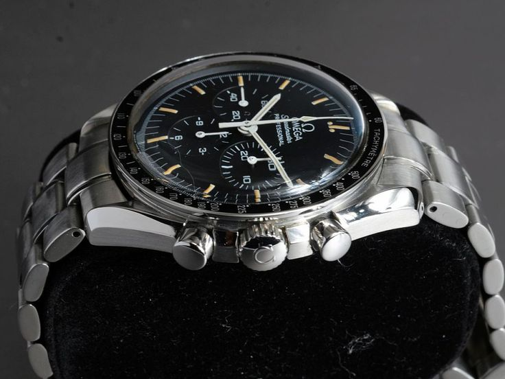 Omega Speedmaster Professional Moonwatch TritiumReference: ST 145.0022 // 35705000Mechanism:Manual windingCase: SteelBracelet: SteelVery good conditionWith box and documentsDiameter: 42 mmGlass: PlexiglassWith tritium dial and handsSerial number: 4835xxxx12 months warrantyChronograph, TachymeterSmall Seconds, Luminescent Hands, Luminous indexes