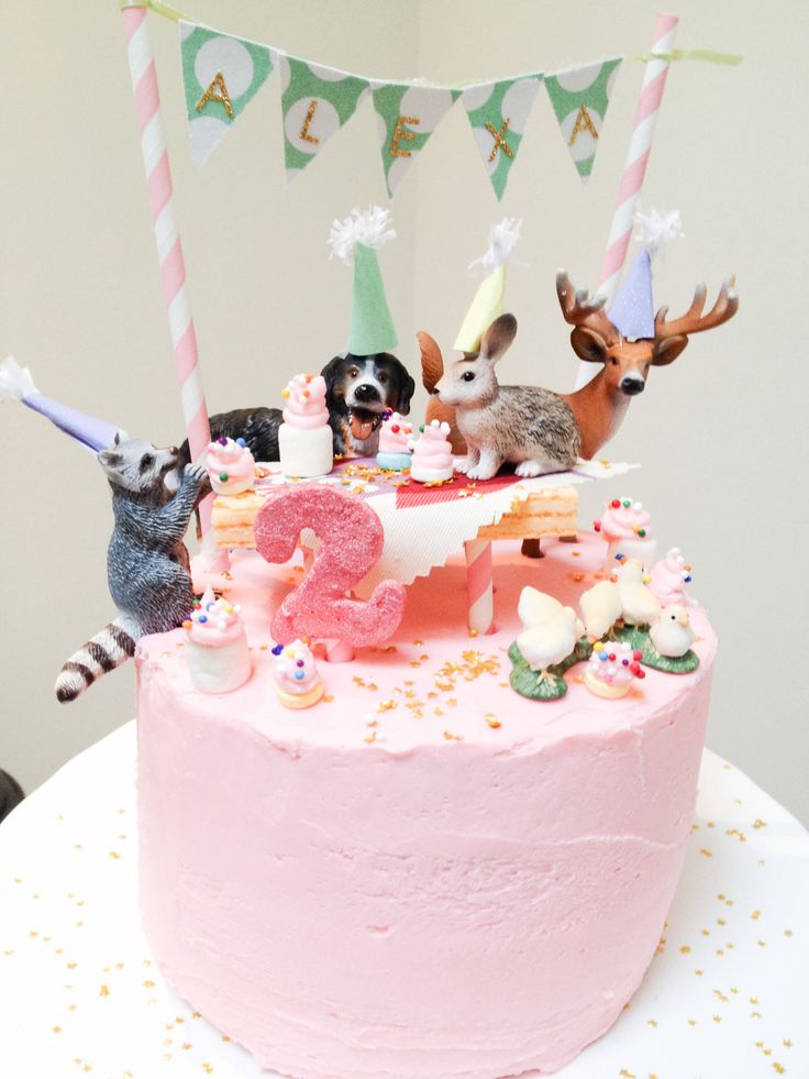 Alexa's DIY animal parade birthday cake inspired by handmade Charlotte