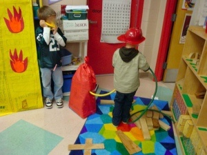 fire station, and they made a truck  too, http://dbsenk.wordpress.com/2011/03/12/dramatic-play-center-ideas/