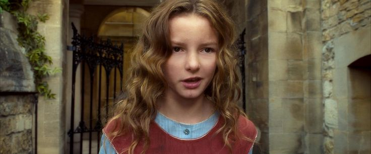 Young Dakota Blue Richards in The Golden Compass