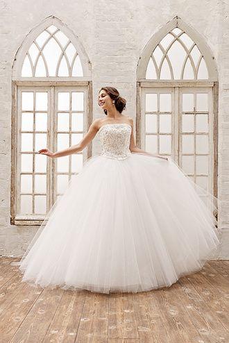 ウエディングドレスショップ シンデレラ(Wedding Dress Shop Cinderella) 豪華フランス製ハンドメイドレースのチュールウェディングドレス AN0900