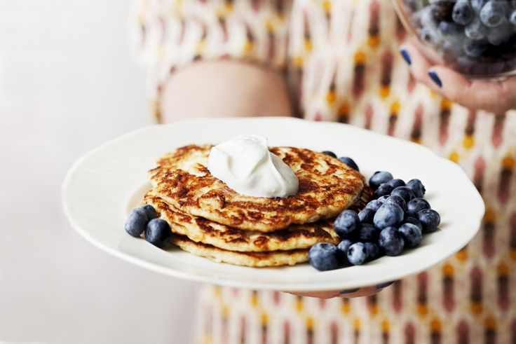 Low-Carb Pancakes with Berries and Whipped Cream - sub coconut cream for cream cheese