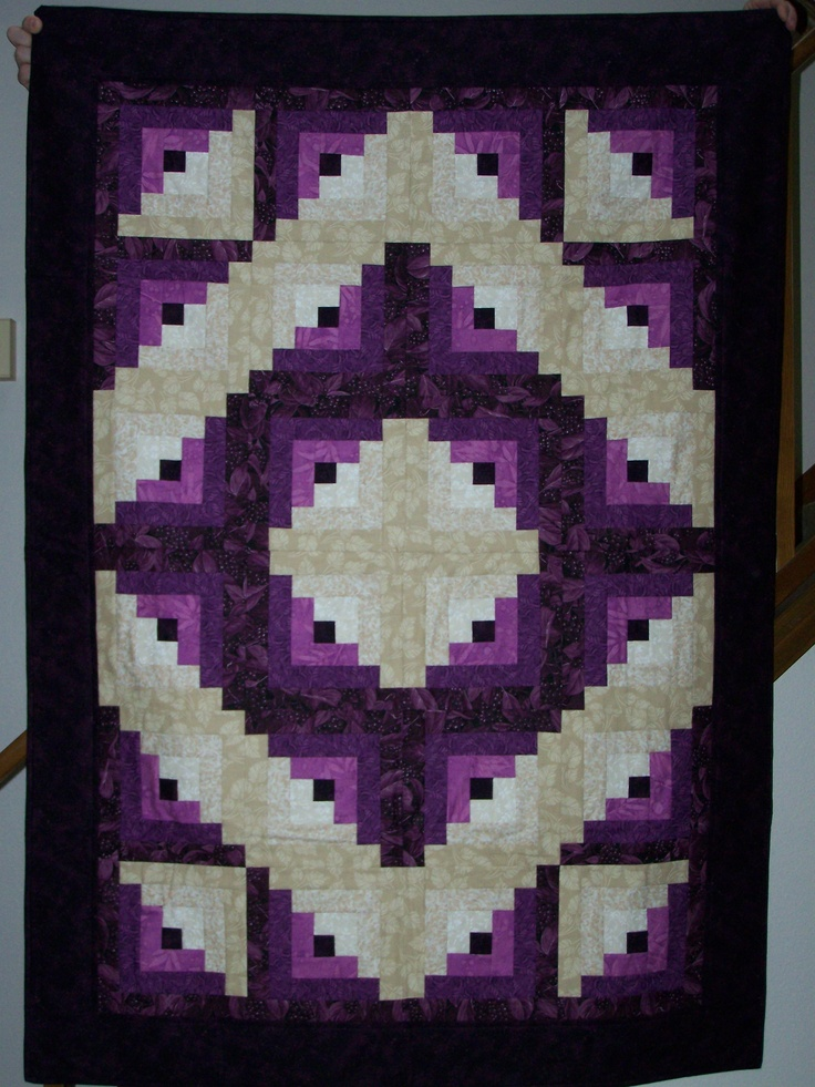 Log Cabin Quilt That My Mom Made It S Beautiful