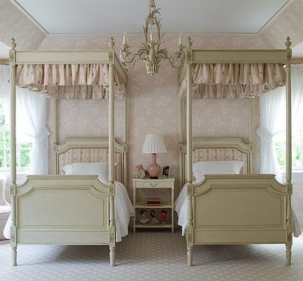 Pretty French feminine guest bedroom.Guest Room, Little Girls Room, Girls Bedrooms, Kids Room, Interiors Design, Girl Bedrooms, Twin Beds, Kids Bedrooms Ideas, Twin Bedrooms