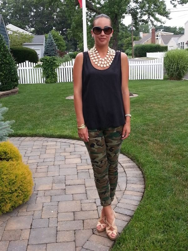 how to style camo pants, fashion for thirty year olds, outfit ideas, summer style
