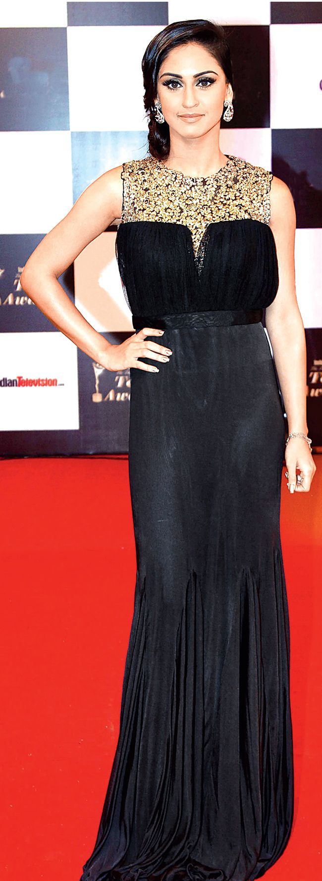 Krystle D'Souza on the red carpet of 13th Indian Telly Awards. #Bollywood #Fashion #Style #Beauty