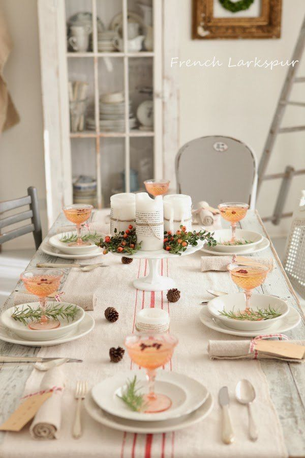 Delightful Christmas table setting in neutral colors