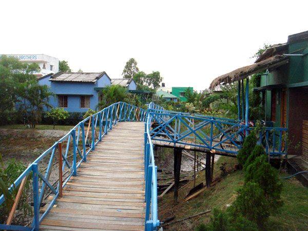 Entry for the Rooms through Bridge