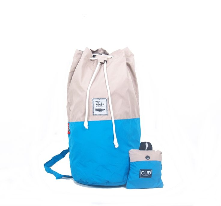 Hey Blues, why not wearing CUB Traveler Blue-Tan Bag for your traveling time? yes it can be folded too, so easy right? #sailorbag #bags #uniquebags #duotone #blue #foldablebags #traveling