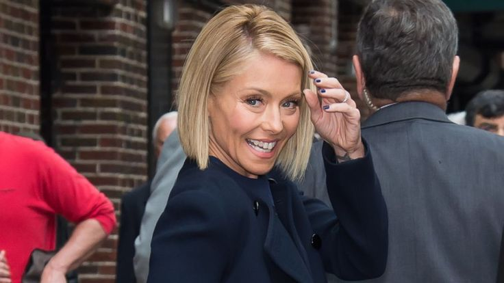 everything kelly ripa | Kelly Ripa Defends Reading Her Daughter's Social Media Feeds