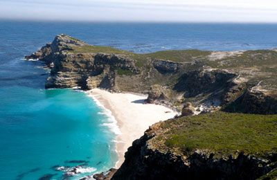 Cape Peninsula Tour - This enchanting Cape Peninsula Tour offers you unparalleled scenic views of the most magnificent beaches, breathtaking views, historic and picturesque coastal villages.