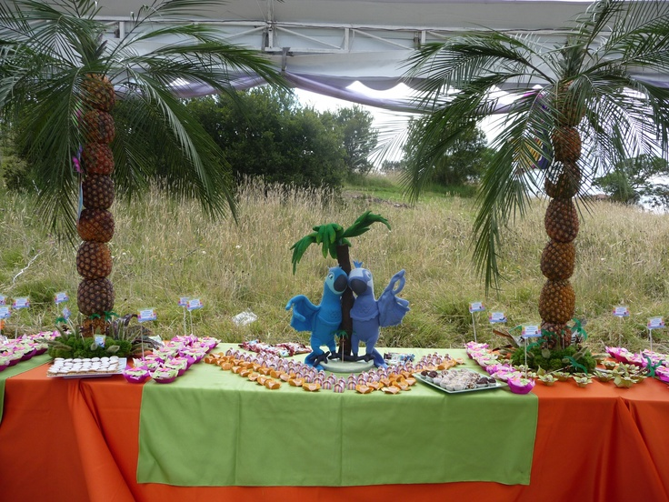 RIO Birthday Candy Bar by MY Group Eventos