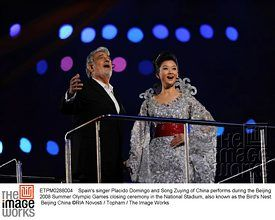 Spain's singer Placido Domingo and Song Zuying of China performs during the Beijing 2008 Summer Olympic Games closing ceremony in the National Stadium, also known as the Bird's Nest.   Beijing China ©RIA Novosti / Topham / The Image Works