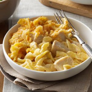 Chicken & Egg Noodle casserole.....I'm thinking if I add peas, carrots and mushrooms this will be just like my husbands favorite Stouffer's entree.
