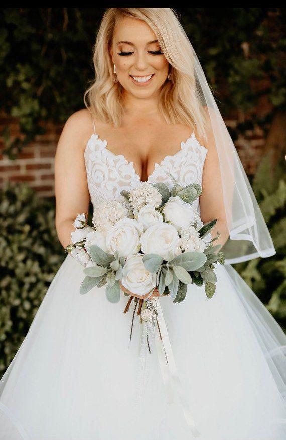 Este es un nuevo ramo de novia de marfil y rubor para 2018. Este ramo de novia fue …