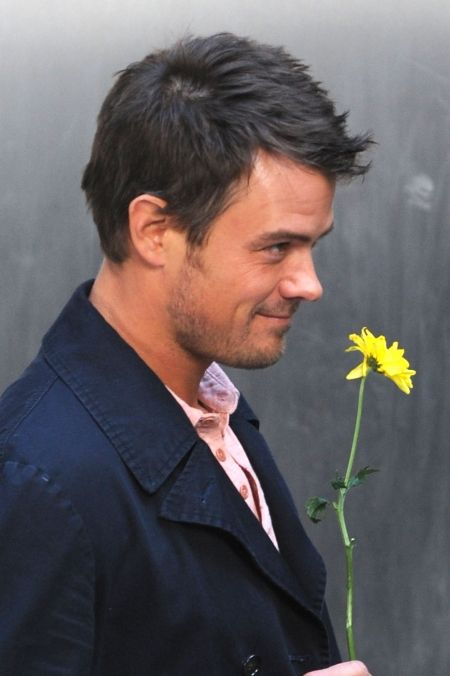 If this guy showed up on my doorstep with a flower like that, I'd faint. I'd just fall over.