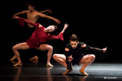 Avec un programme contemporain éclectique et international, l'excellent Ballet de l'Opéra de Lyon investit à nouveau le Théâtre de la Ville pour une semaine.…