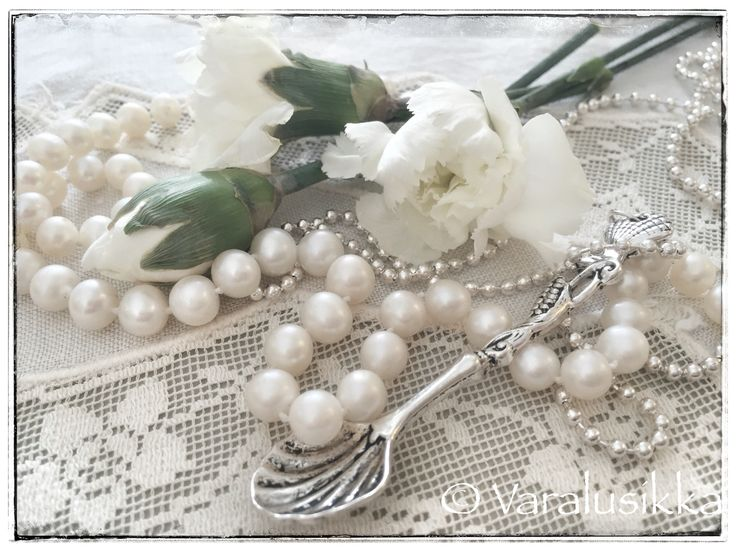 Vintage style Varalusikka spoon necklace feels quite at home with antique lace and pearls.