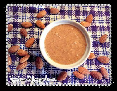 Domácí mandlové máslo - super jednoduché a lahodné / Homemade almond butter - super easy and delicous