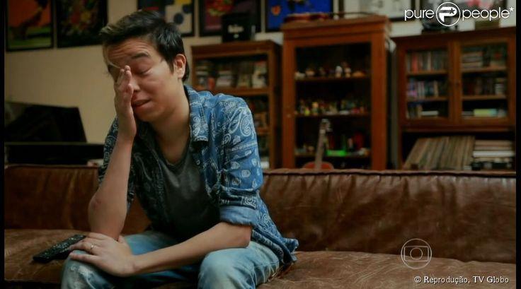 Maria Gadú se emociona ao rever matéria no show de Marisa Monte. Há 14 anos, ela foi a fã escolhida para ganhar um ingresso