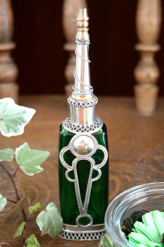 ~大人のためのモロッコ雑貨regalito~ リサイクル瓶を使ったエキゾチックな手作りのモロッコ香水瓶。 http://regalito.shop20.makeshop.jp/ #モロッコ#香水#リサイクル