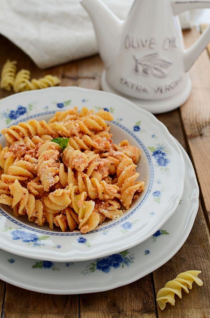 #Pasta #pomodoro e ricotta
