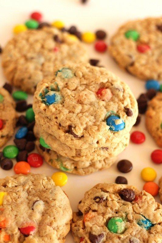 Monster Cookies Rezept von Living on Cookies