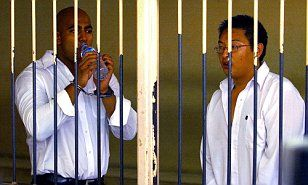 Australian Bali Nine convicts face firing squad as Indonesian President rules out pardoning | Daily Mail Online