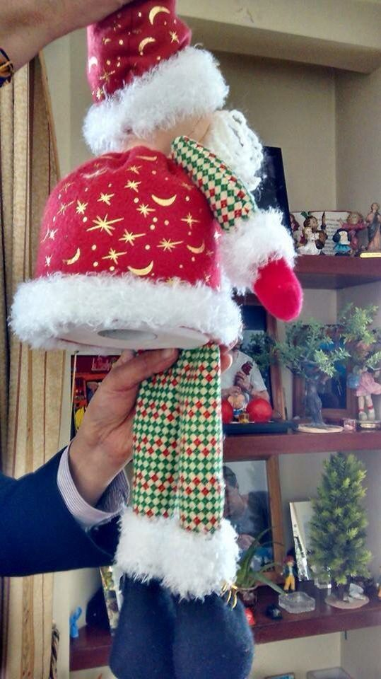 Santa plush figurine for a Christmas tree topper. What a great unique, fun idea DIY Love the three dimensional look  like a back pack that Santa is carrying