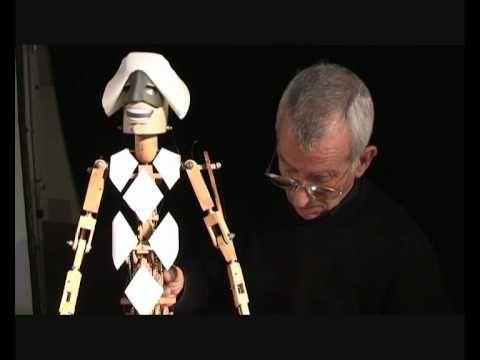 Construyendo marionetas. Titirimundi 2010.