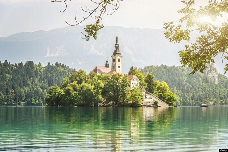 スロベニアの「おとぎ話のような島」ブレッド島