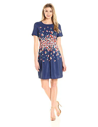 981825f62d75 Amazon.com  Lark   Ro Women s Short Sleeve Center gather Fit and Flare Dress   Clothing