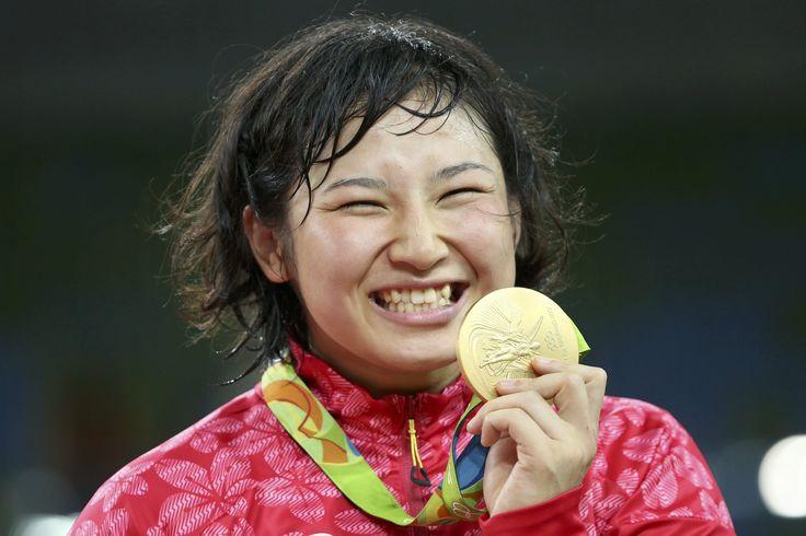 【DAY13】女子レスリング陣が一気に3つの金メダルを獲得!伊調馨選手は女子個人種目で史上初のオリンピック4連覇を達成。登坂絵莉選手、土性沙羅選手は初出場での金メダル獲得です。#がんばれニッポン #レスリング #Rio2016