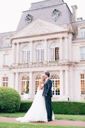 French Chateau Wedding | photography by http://oneandonlyparisphotography.com/ | floral design by http://www.fredericbertin.com/en | wedding planning by http://www.feteinfrance.com/