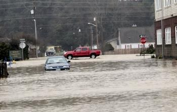 Hoquiam Washington News | Heavy flooding reported in Hoquiam today. —Photo by The Daily World