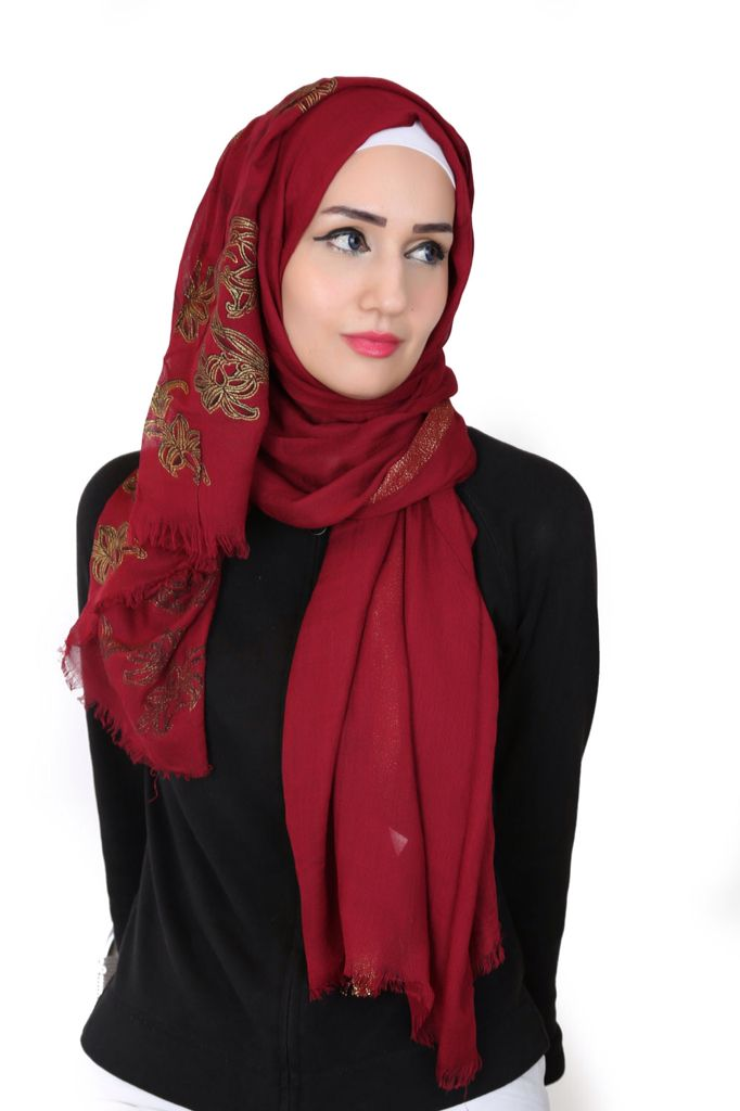 This cotton shawl is made with a sleek design and is decorated with beautiful shiny prints that will increase your elegance. Available in a variety of colors. Will definitely satisfy all tastes. #modestwear #hijab #fashion#hijab2015