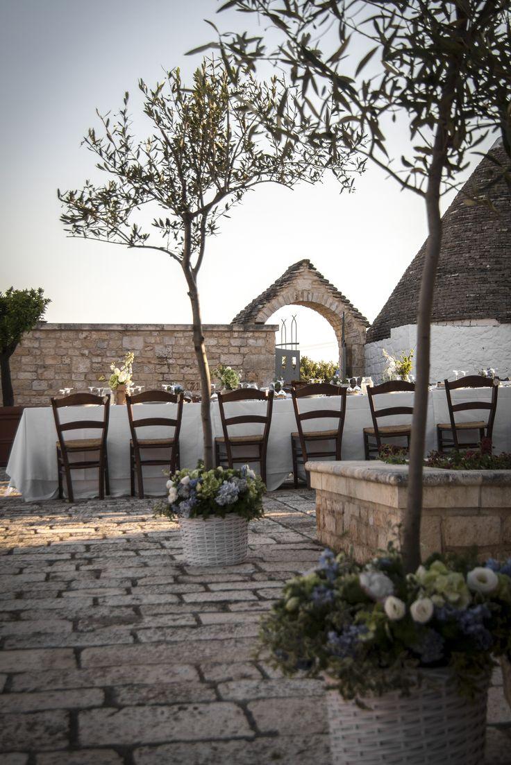 The simplicity has never been so elegant... The most beautiful day in Masseria I Monitilli. <3 La semplicità non è mai stata così elegante...   Il giorno più bello a Masseria I Monitilli. #masseria #apulia #wedding #weddingparty #matrimoni #puglia #countrywedding