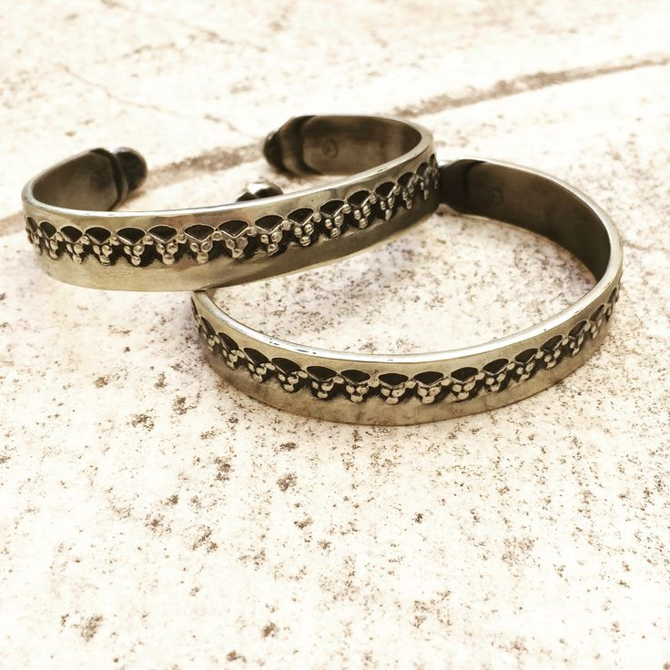 Boho & minimalistic elements combined in these white bronze lace engaved cuffs by Break A Stone! Make yours these all-season favorites and let the details elevate your style! #Stylebubbles #boho #accessories #fashion #jewels #handmade #onlineshopping