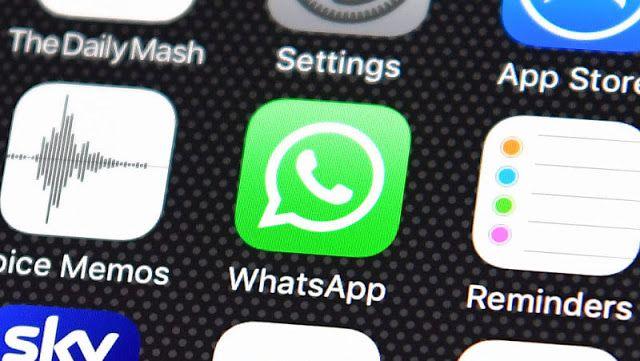 Los stickers por fin llegarán a WhatsApp (aunque primero en Android)    La nueva versión de pruebas de WhatsApp  para Android incluye una gran novedad: la llegada de los stickers. Por  fin esta característica dará el salto a la aplicación de mensajería muy  pronto y ya puedes ver los primeros que llegarán.  Desde WABetaInfo  han publicado las primeras imágenes de la nueva beta de WhatsApp para  Android versión 2.18.12 incluyendo el soporte a stickers. Los que  aparecieron en esta versión de…