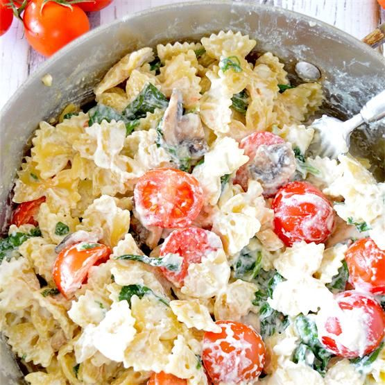 Creamy Ricotta, Tomato & Spinach Pasta by @Goodmorningcali - #KeepOnCooking #Entree #Entrée #Pasta #Noodle #Noodles #Vegetable #Vegetables #Vegetarian
