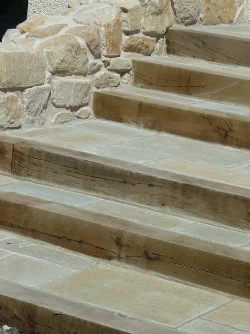 Les 20 meilleures id es de la cat gorie marches en pierre for Escalier de jardin en pierre