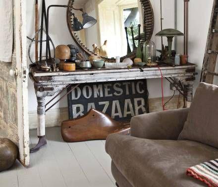 Bazaar.  Vintage sideboard: Vintage Collection, Tables Legs, Round Mirror, Quirky Decor, Fleas Marketing, Old Signs, Vintage Rose, Vintage Finding, Old Stuff