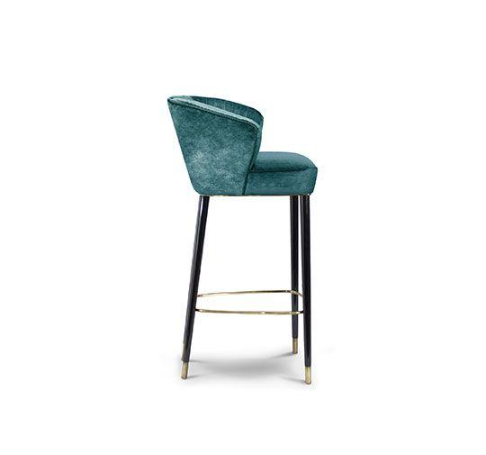 Barstuhl | Messing Beistelltisch | Modernes Design | Minimalismus Design | Minimalist Decor | Designer Möbel | Hochwertige Möbel | Luxus Möbel | Samt Sessel | Kunst Möbel | Pantone Farben | Einrichtungsideen | www.brabbu.com