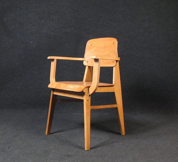 Jean Prouve, Armchair in Beech and Plywood for Ateliers Jean Prouve, 1941.
