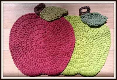 Double Treble Craft Adventures: Teacher's Gift Crochet Apple Dish Cloths