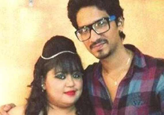 Comedian Bharti engaged to 7 years younger Comedy Circus writer (view pics)