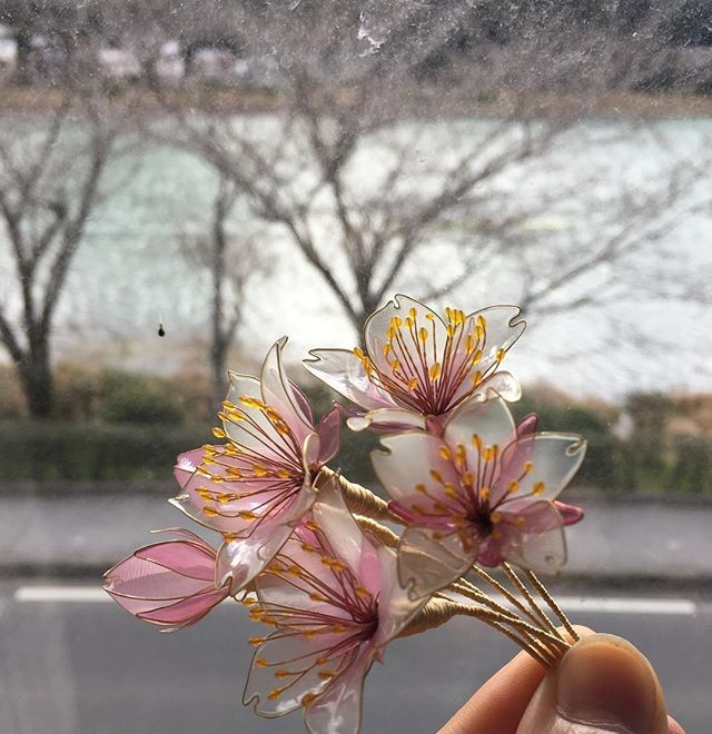 WEBSTA @ saion_arrow - そして、桜流しの簪も現在製作中です。#saion #簪 #かんざし #桜 #さくら #サクラ #cherryblossom