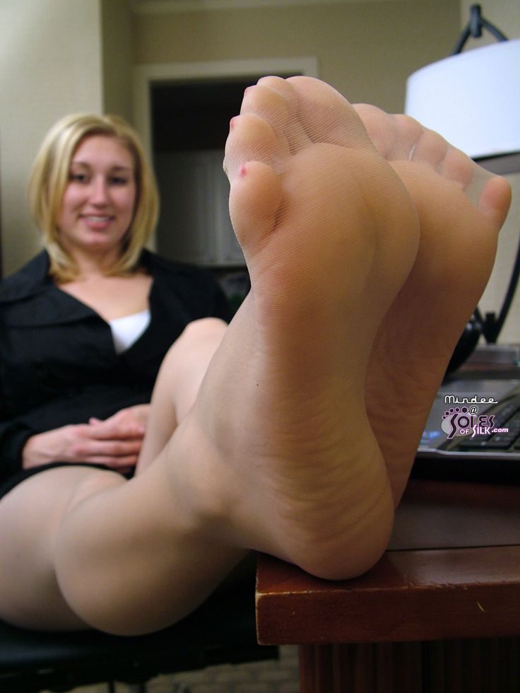 mom nylon feet
