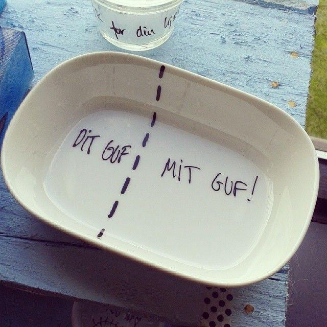 Haha det er nemlig rigtigt ;-) #vejlebibliotek #udstilling #keramikskål #dortheværnhøj #vaernhoej.dk
